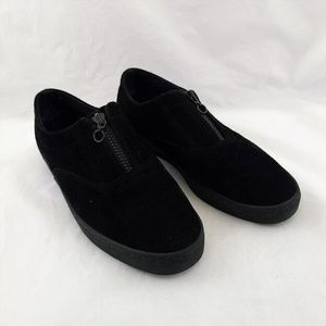 Aerosoles Women 9.5 Loafers Black Suede One Zip